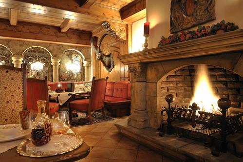 Kamin__Hotel_Zuerserhof_