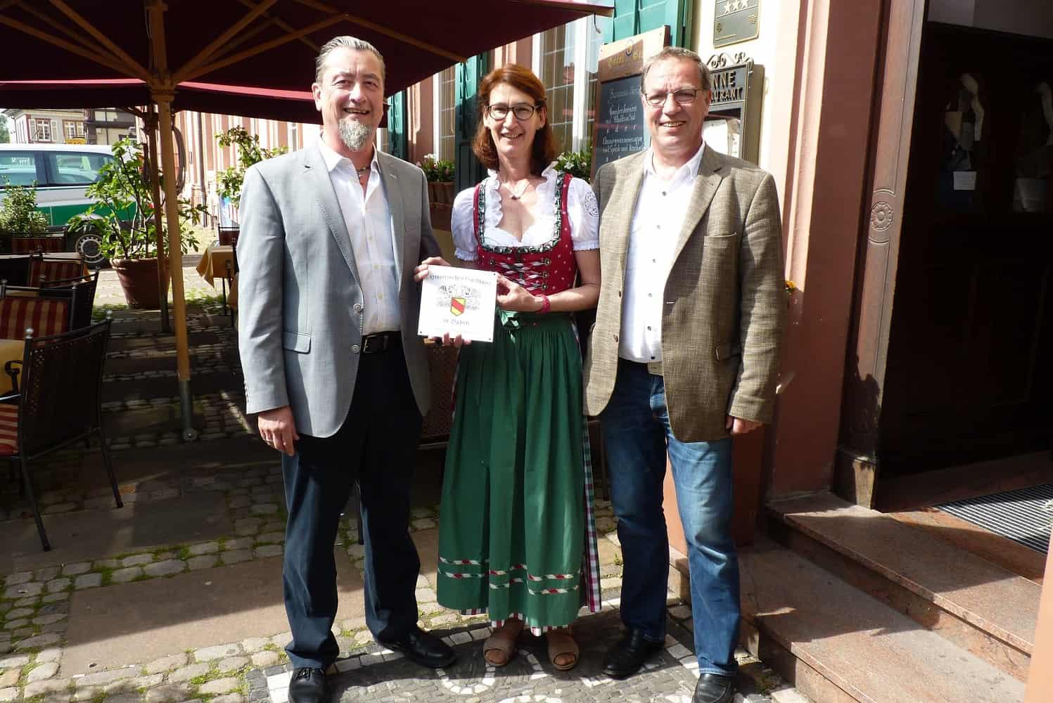 von links Frank J. Ebner,  Gabriele und Horst Schimpf-Schöppner